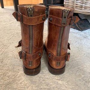 Frye Shoes - FRYE Veronica back zip boot